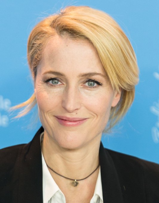 Happy birthday to my queen gillian anderson