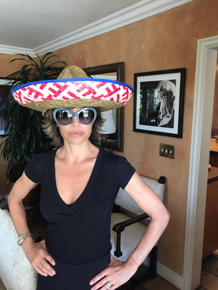 Ask and you shall receive ???????? #RinnaInASombrero https://t.co/Zxi5yKzTN3