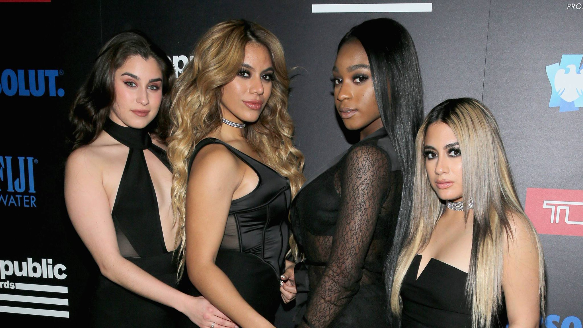 �� @FifthHarmony dropped their new album tracklist: https://t.co/1TwPjCyxb7 https://t.co/ZnD38kdCK6