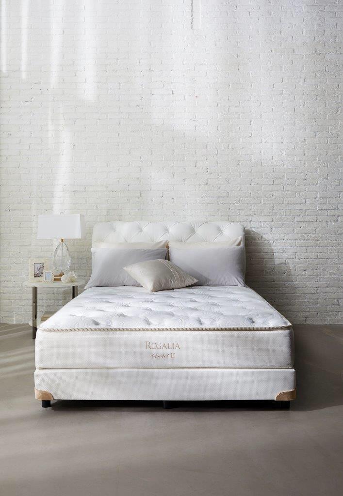 マットレスは素材や構造によりタイプもさまざま。大塚家具なら有名ブランドのマットレスが勢揃い!納得いくまで寝心地を体感いた