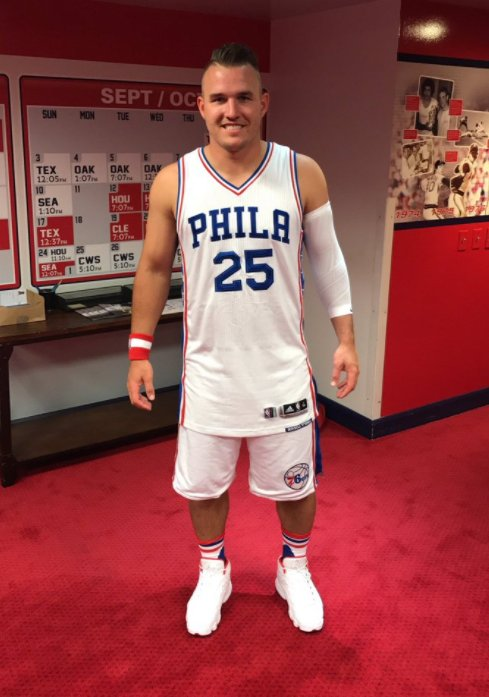 #TroutTheProcess: @MikeTrout looked like a natural in a full @sixers uniform: https://t.co/HkRU0rugJJ https://t.co/NCyNl9zCdv