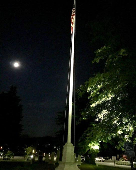 #flagpoles #Veterans #hospitals @Vestal, NY near #Binghamton Night light tour flagpole and fly your #flag higher t… https://t.co/JaW1x7pKks https://t.co/kKlupZV8lD