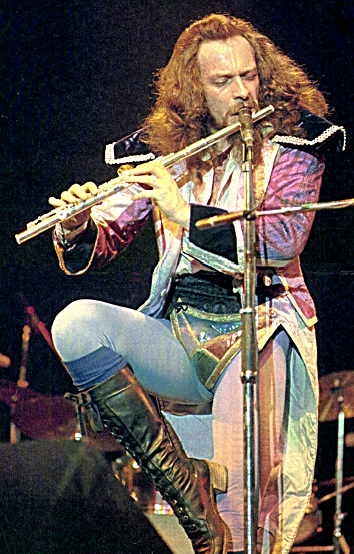 Happy birthday to multitalent Ian Anderson who turns 70 today! Time to spin some JethroTull again