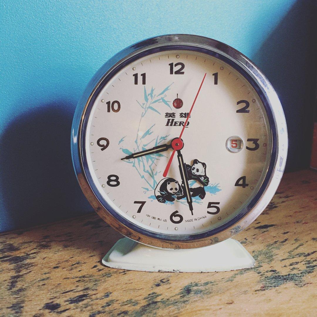 Instagramちょくちょく更新しています。  #リサイクルショップブルードア #パンダ時計 #トランスフォームするス