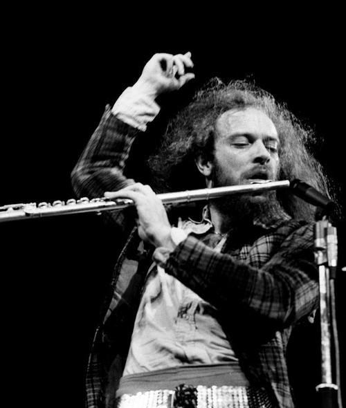 Happy birthday to lead singer, Ian Anderson!