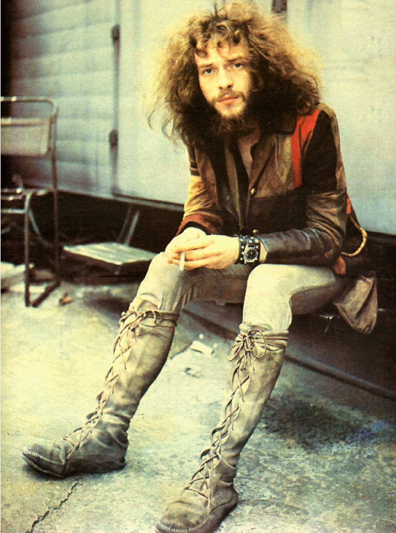 08/10/1947   Happy Birthday, Ian Anderson, singer,      songwriter, flautist and guitarist of Jethro Tull