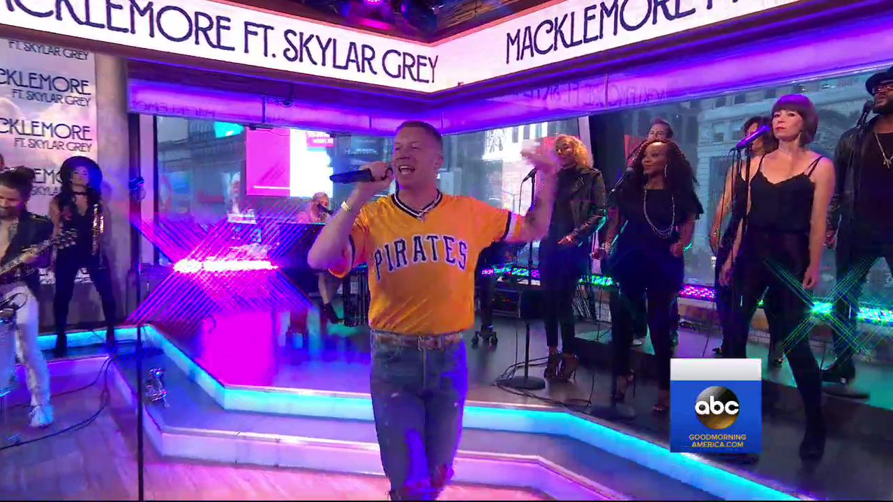 WATCH: @macklemore performs with @SkylarGrey LIVE in studio on @GMA! https://t.co/M409I2TcAW