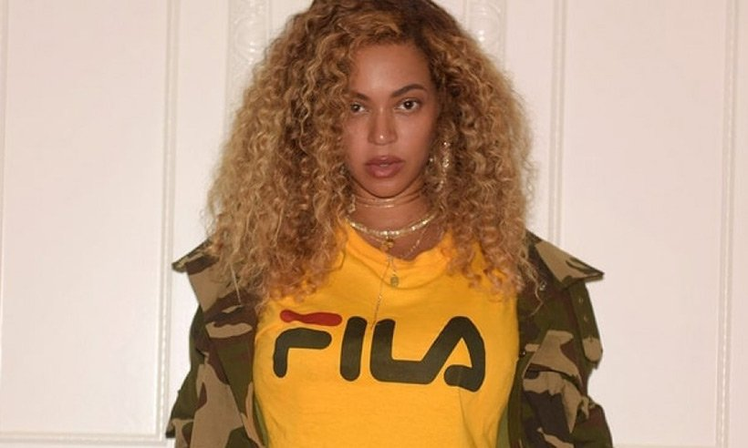 .@Beyonce flaunted her incredible post-baby bod at a @kendricklamar concert: