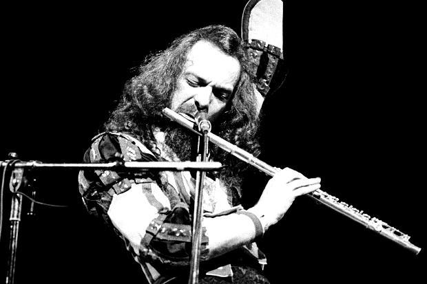 Happy Birthday to the brilliant Ian Anderson!