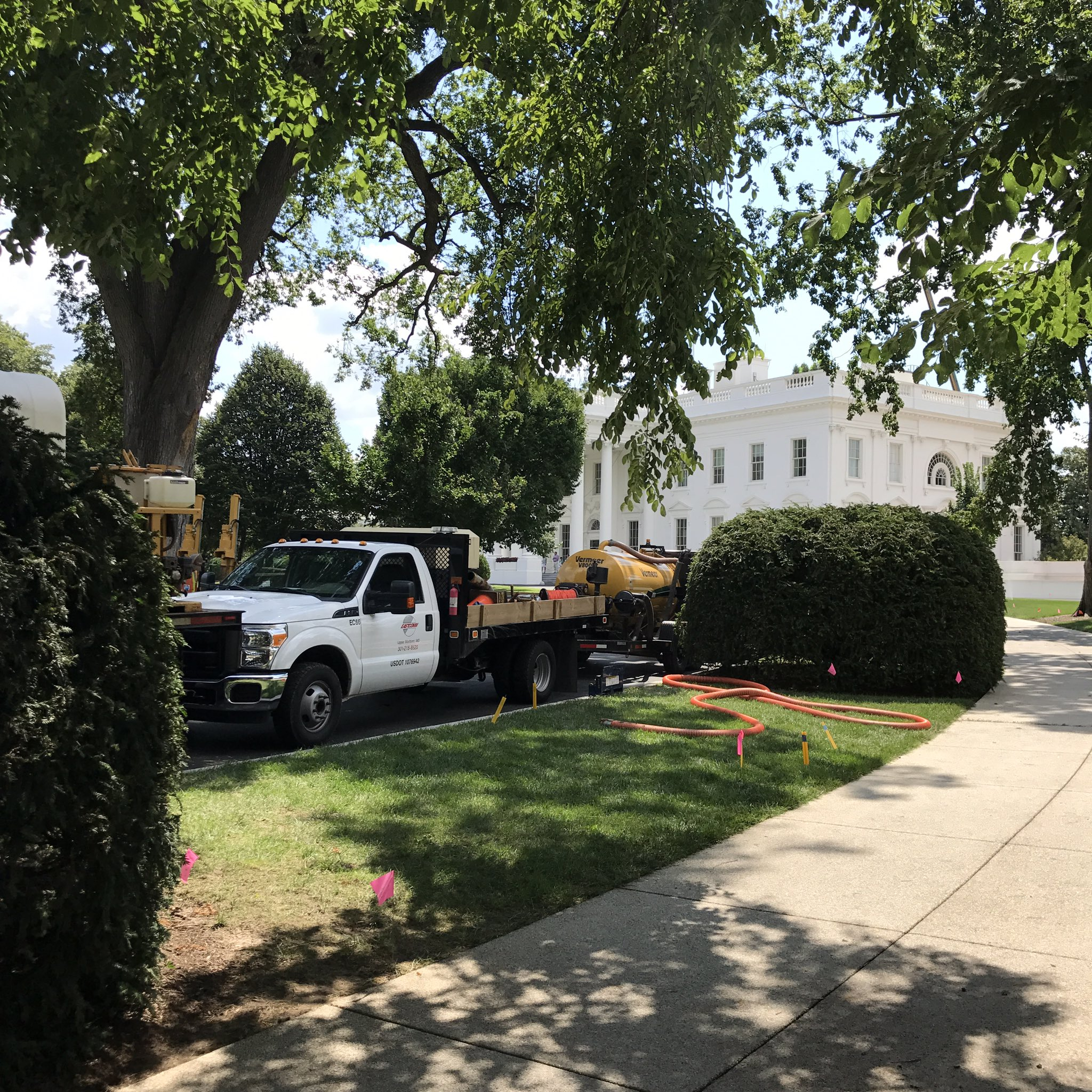 White House renovations underway while @realDonaldTrump works out of NJ/NY. https://t.co/nqxx9aJYVd