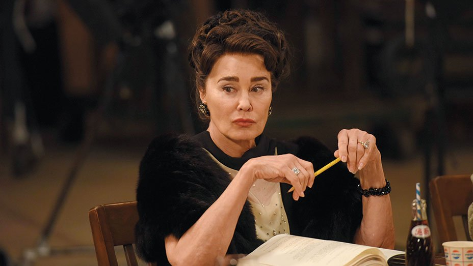 "Jessica Lange on exposing the ""other side"" of Joan Crawford in"