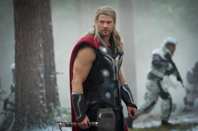 HAPPY BIRTHDAY!!! Chris Hemsworth!!             /                              (  )