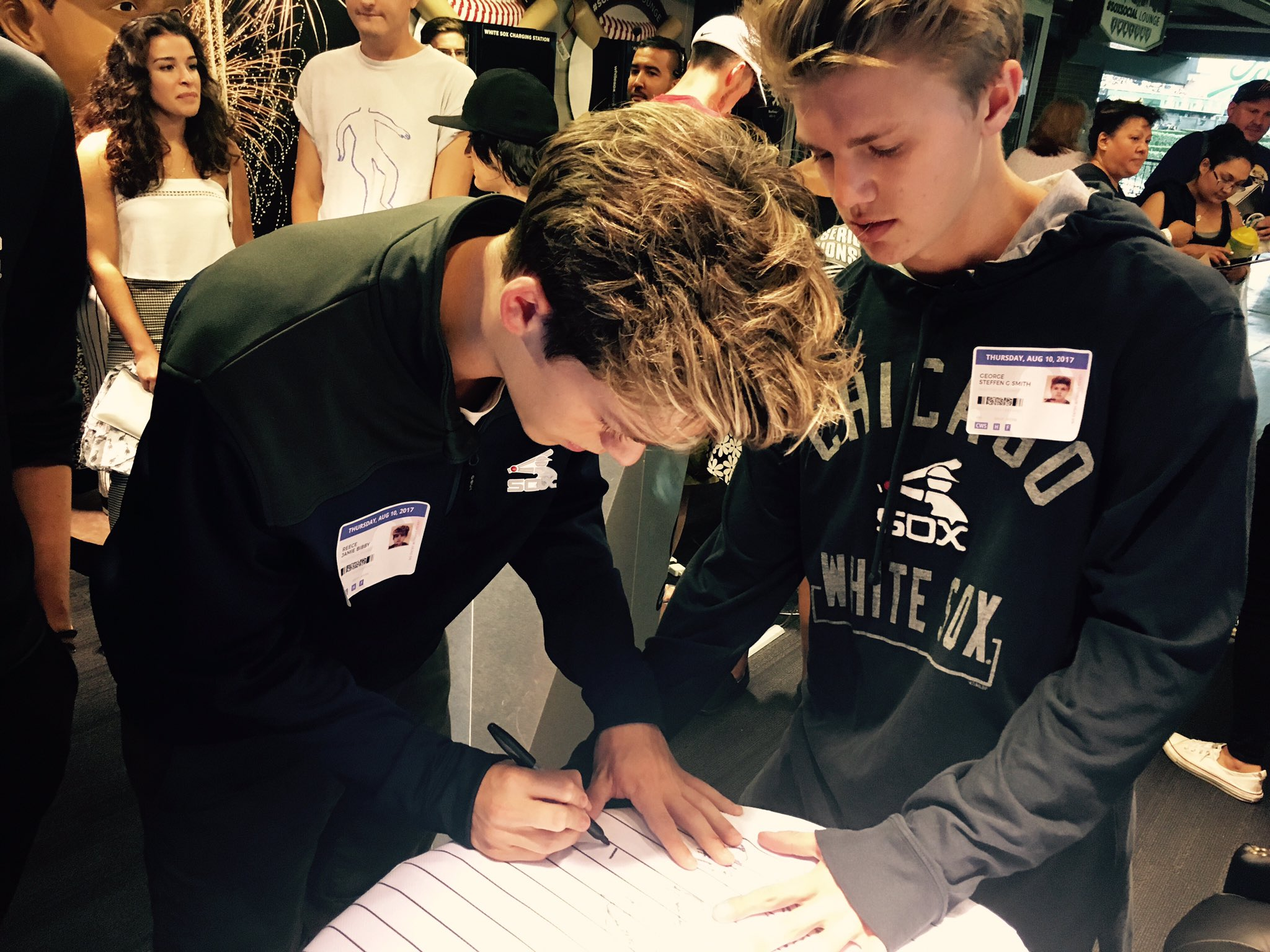 Thank you @NewHopeClub for stopping by our #SoxSocial Lounge! https://t.co/uGZfyqJBF5