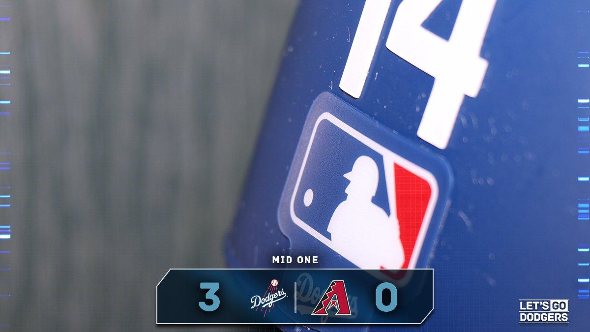 Off to a good start! ��  Mid 1:  #Dodgers 3, D-backs 0 https://t.co/et40kcfO26