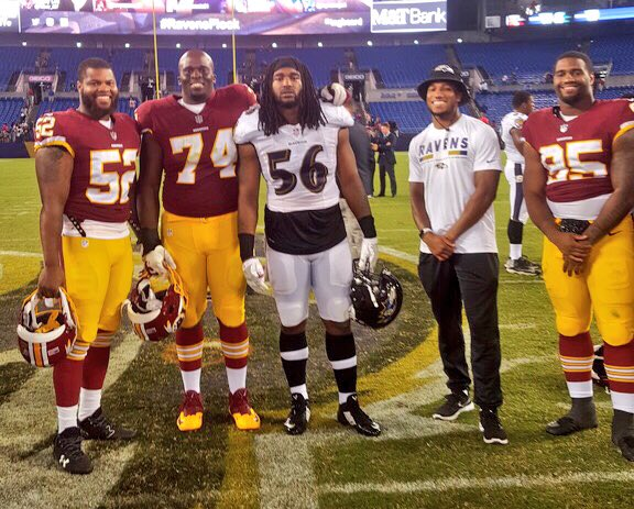 .@AlabamaFTBL reunion after #WASvsBAL. https://t.co/TXfm2J0r87