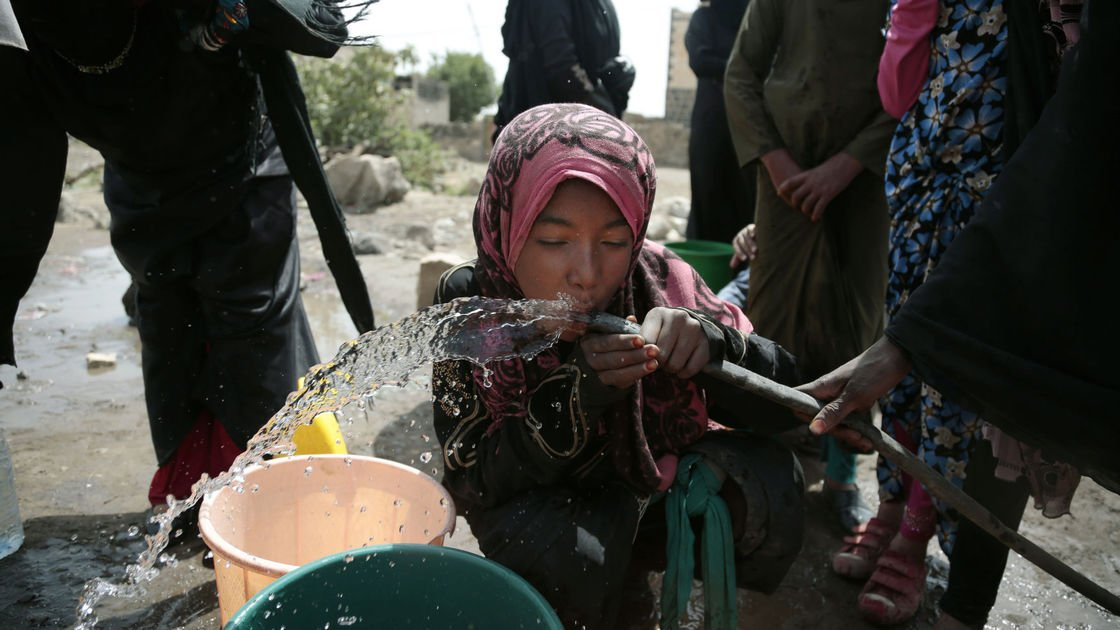 Photos: Yemen's civil war turns country into cholera breeding ground