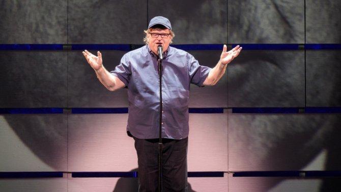 .@GloriaSteinem got a standing ovation at Michael Moore's Broadway opening https://t.co/r8NYqG3UxL @MMFlint https://t.co/aHCggK9z8k