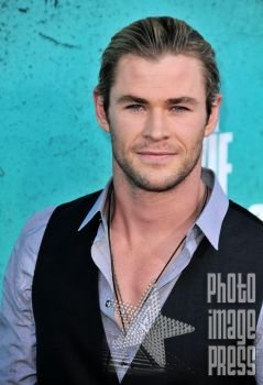 Happy Birthday to Chris Hemsworth!!! Here is Chris back in 2012 at the MTV Movie Awards.