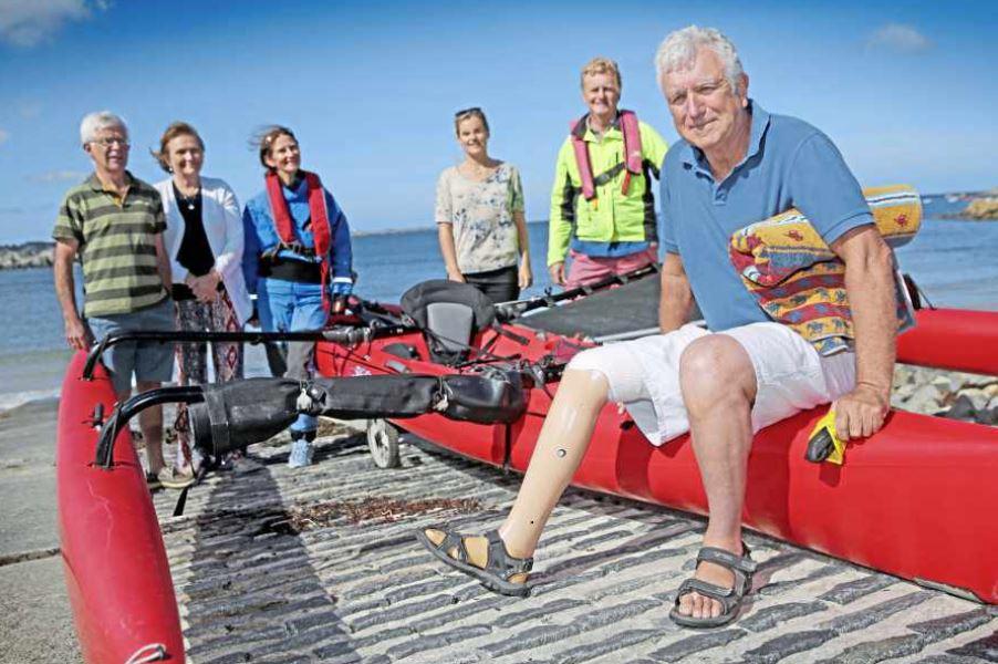 One-legged Old Elizabethan completes round-island swim « Guernsey Press