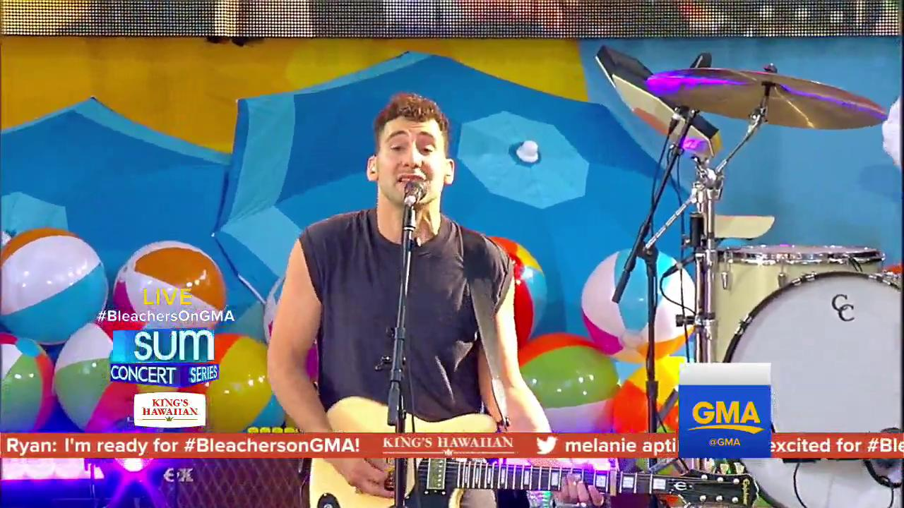 WATCH: @bleachersmusic perform 'Don't Take the Money' on @GMA. https://t.co/jGJ0mfxdGD #BleachersOnGMA https://t.co/nsk6kRKaV8
