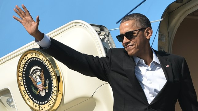 Obama to reemerge in the fall, help rebuild Democratic Party https://t.co/acu7i3aiZn https://t.co/BYKwKr4PAc