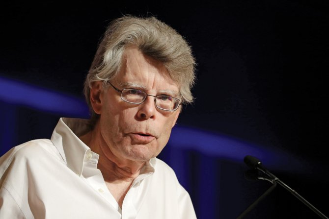.@StephenKing reveals which of his stories he wants to see adapted next https://t.co/xkG57Mh3nb https://t.co/uFZ8qTGl82