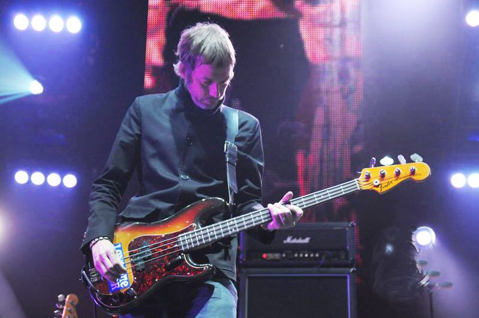Happy Birthday Andy Bell!!  The former Oasis bassist & Beady Eye guitarist is 47 today!