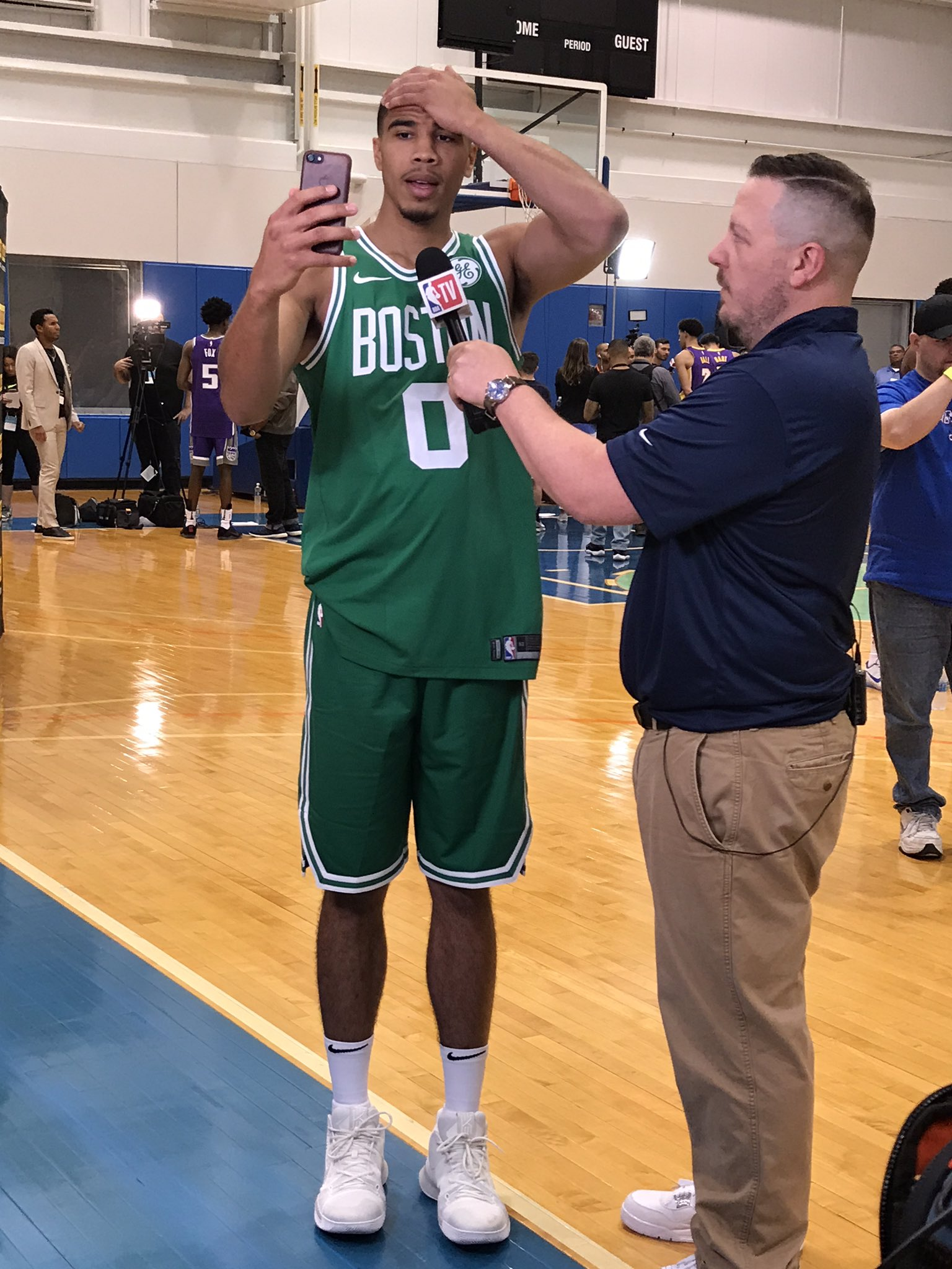 ����  @jaytatum0 of the @celtics with @langwhitaker on @NBATV (4pm/et)! #PaniniNBARookie https://t.co/88SlicYhdw