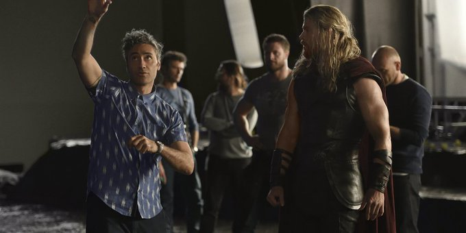 Thor: Ragnarok Director Wishes Chris Hemsworth a Happy Birthday
