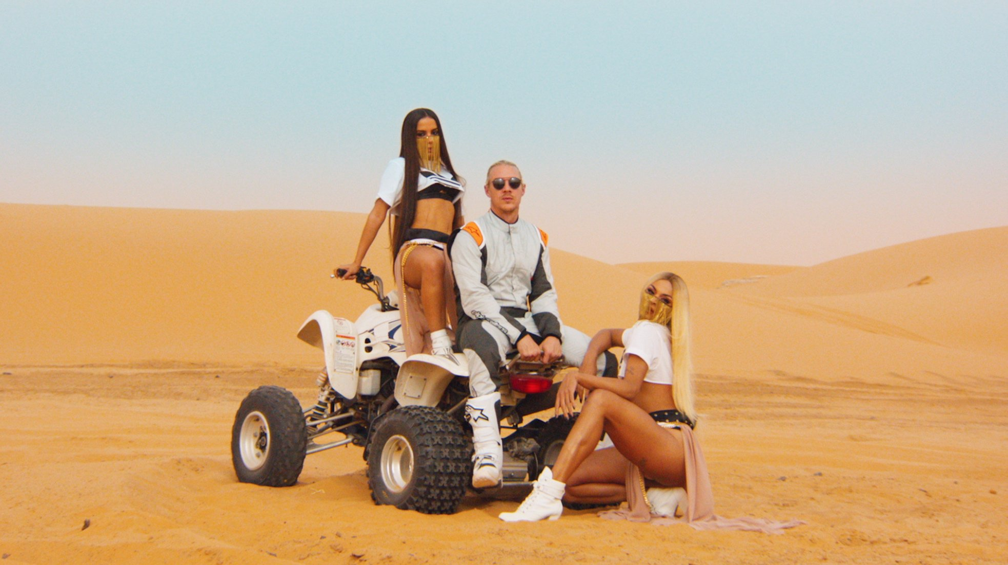 SUA CARA VIDEO OUT NOW @ANITTA @PABLLOVITTAR https://t.co/PrJVvxaRL1 https://t.co/oTSv7mqvHo