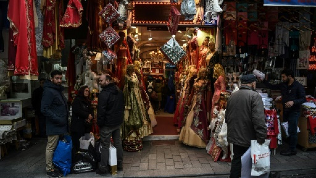 Turkey defends plan to allow religious marriages amid controversy