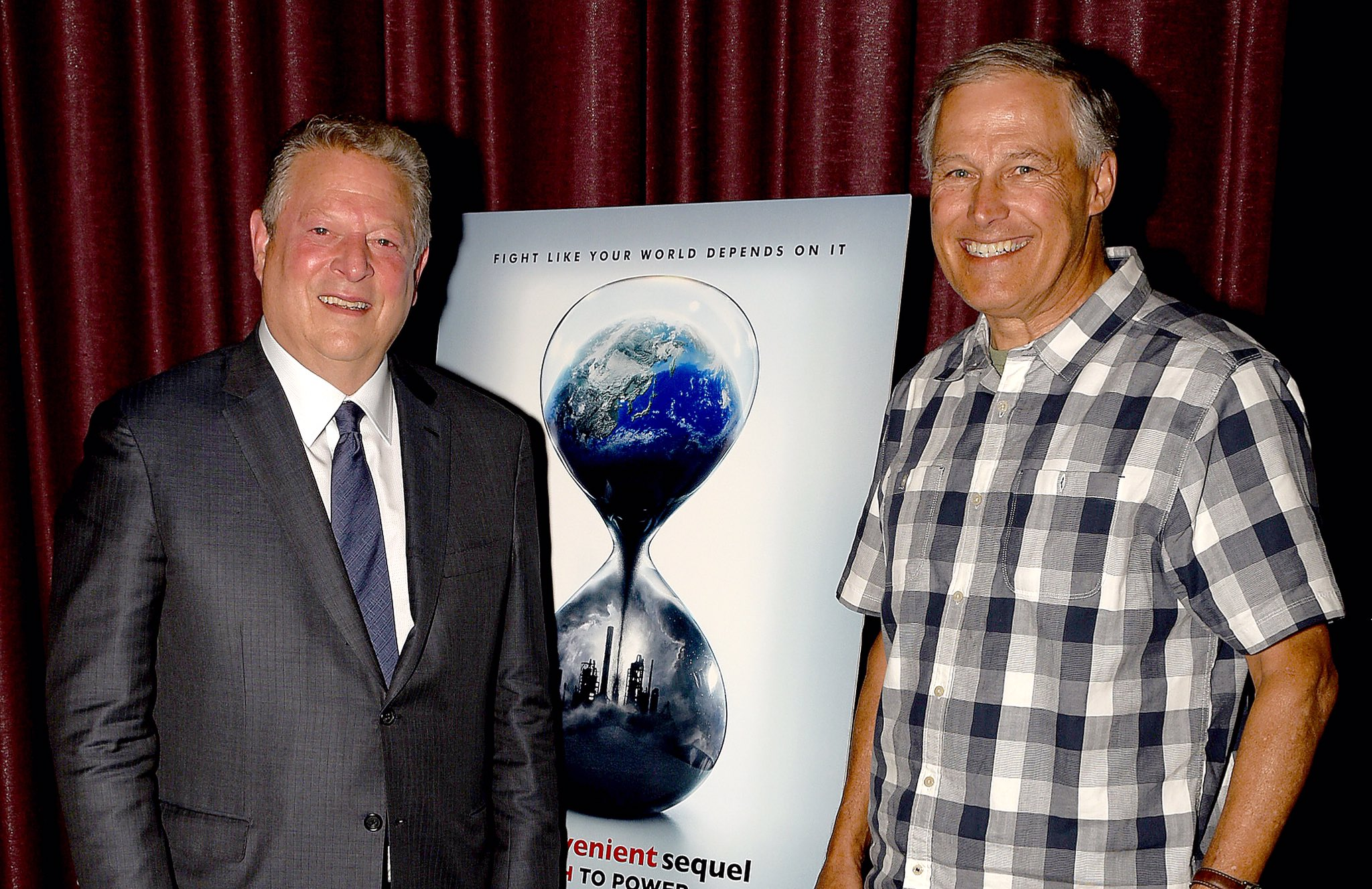 RT @algore: Always a pleasure to see my good friend @GovInslee. Thanks for coming to see @aitruthfilm tonight. #BeInconvenient https://t.co…