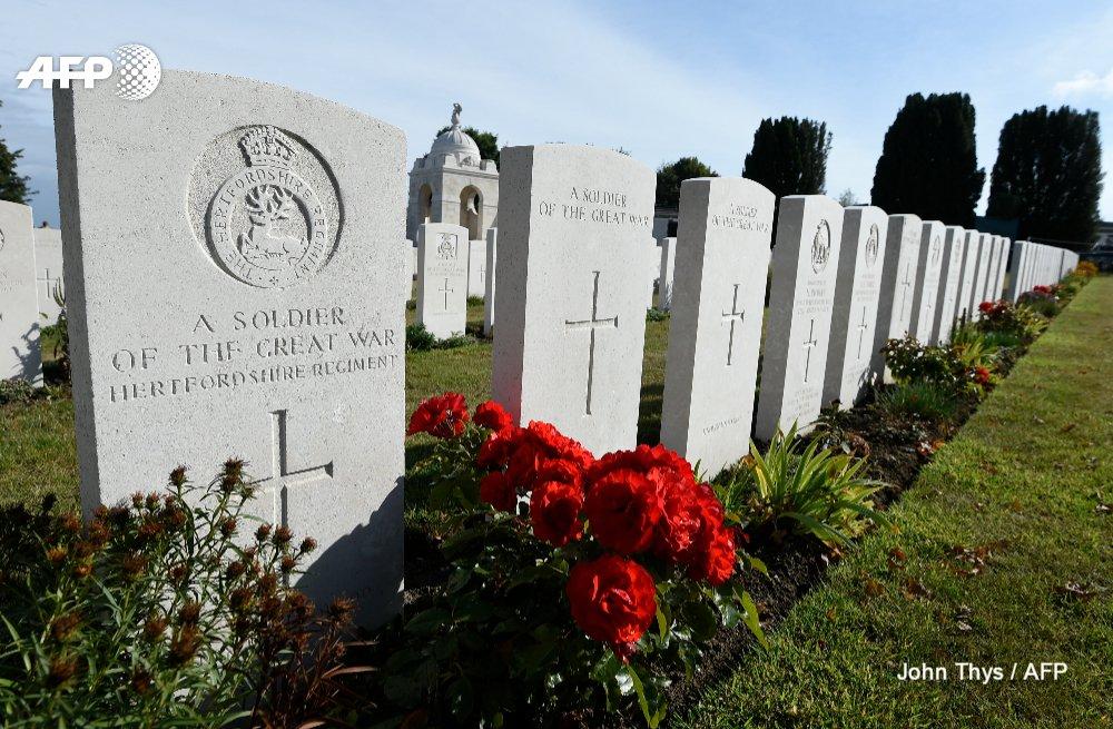 Relatives and royals mark WWI Passchendaele centenary