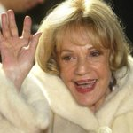 Jeanne Moreau, award-winning French actress, dies at 89