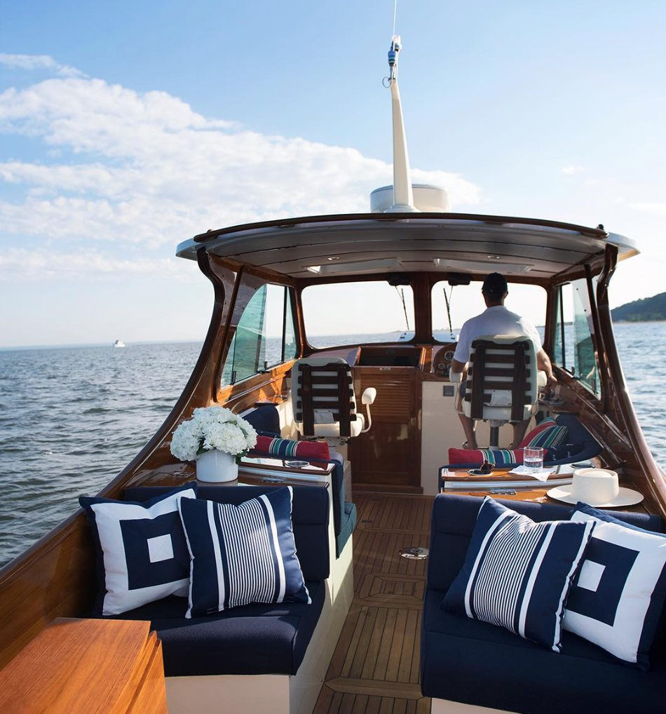 #RLHome outdoor fabrics in bold stripes and navy nautical prints add the finishing touch to a custom-crafted boat. https://t.co/ukBJoSirxN