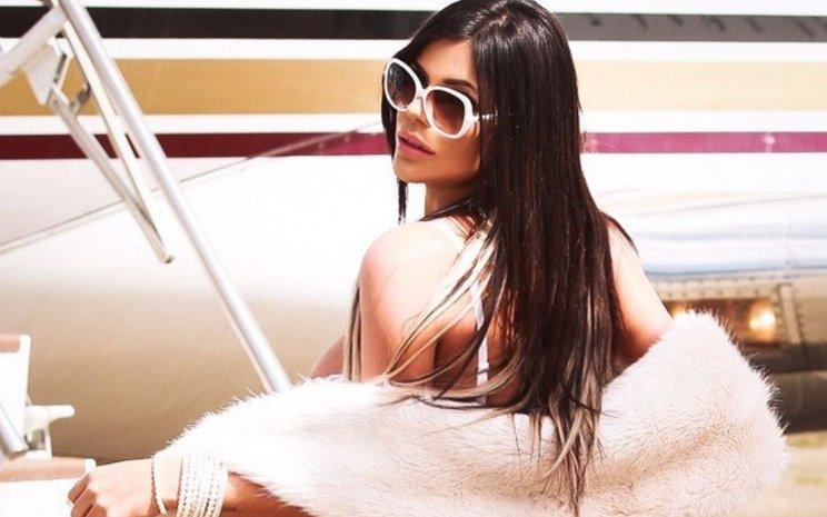 RT @iG: Suzy Cortez realiza ensaio sensual: