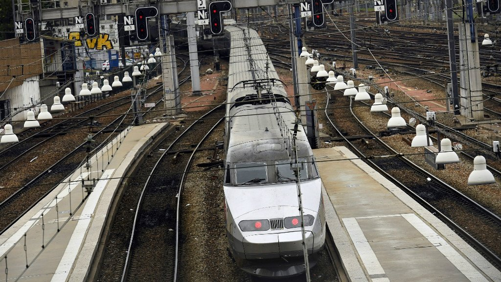 Disrupted Paris rail service to get back on track Wednesday