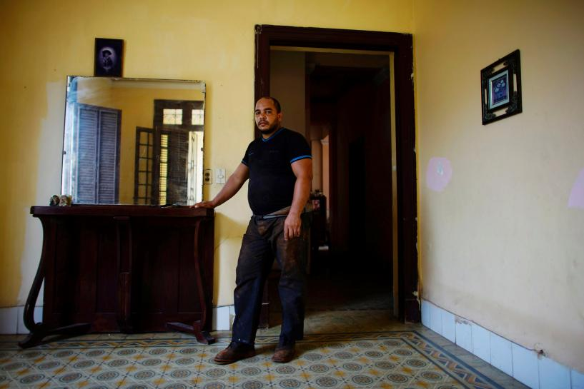 Communist-run Cuba puts brakes on private sector expansion