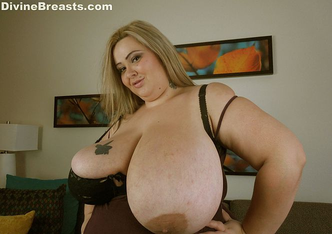 Mandy Majestic Sexy #bbw Boobs see more at https://t.co/BxDNUFbbsw https://t.co/oHCkkj8CRZ
