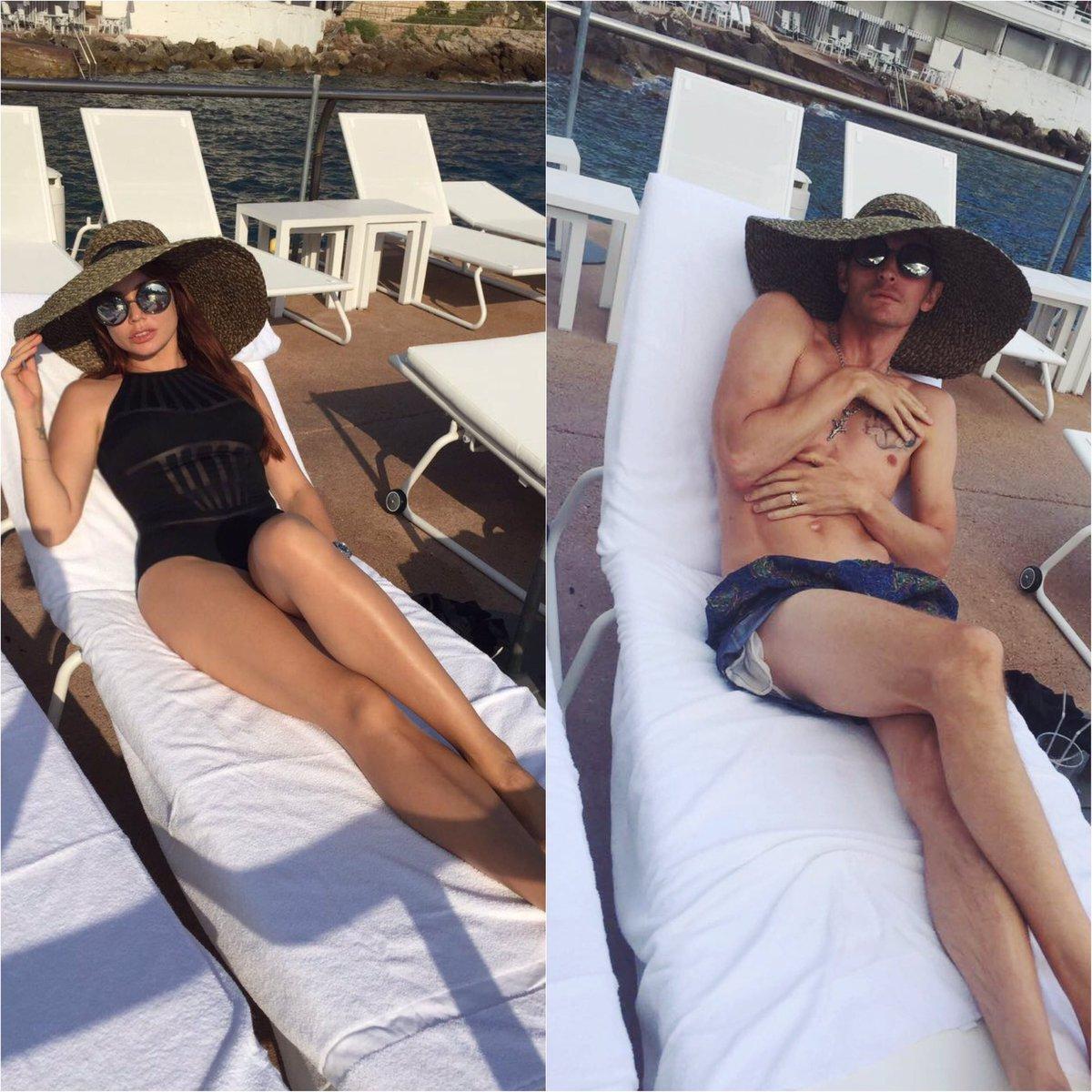 #найдите100отличий ???? Зарисовка @RealVolya на тему как мы, девочки, делаем фото на пляже ???????? https://t.co/xtq7ElyKCt