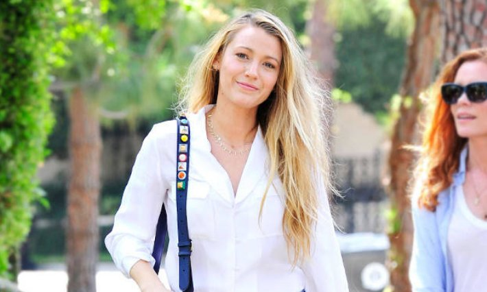 Blake Lively's jeans are $40 and will make you want to head to Old Navy ASAP: