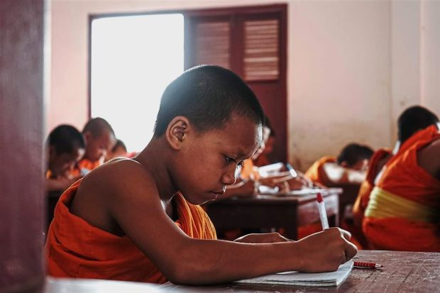 Laos teens become novice monks to get an education - ASEAN/East Asia