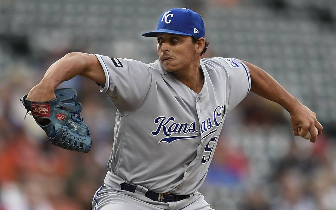 Royals' game in Baltimore is delayed by rain