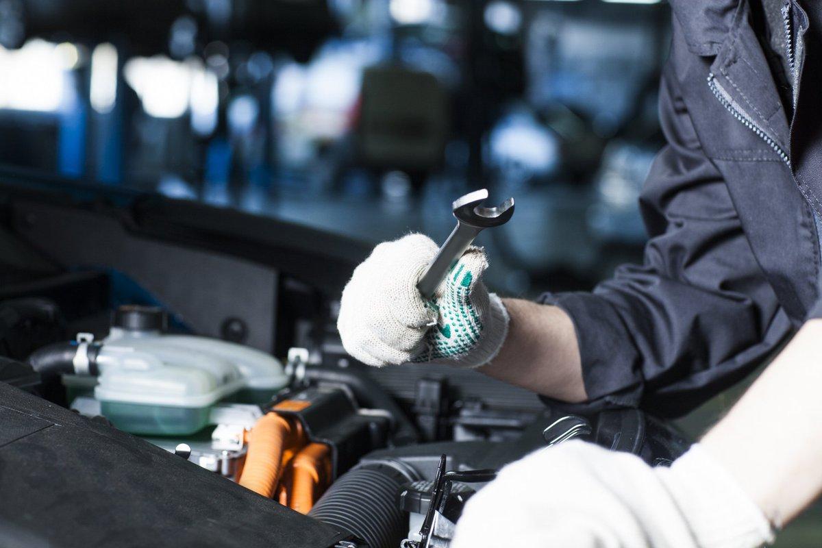 バッテリーを交換したのにエンジンがかからないcar!そんな時はセルモーターが原因かもしれないcar!セルモーターはエンジ