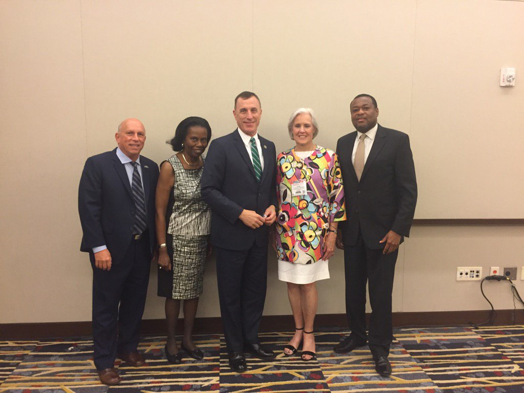 test Twitter Media - APA Leadership having breakfast with Congressman Tim Murphy (R-PA) at our 125th anniversary convention in Washington https://t.co/nqa7GPAXsQ