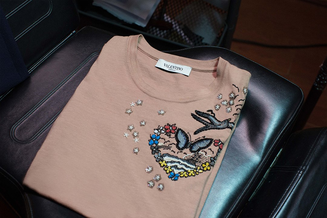 Make it beautiful! #Tattoo Collection motifs on simple and evergreen pale pink jersey T-shirt. https://t.co/4Z6pIa5Ybw