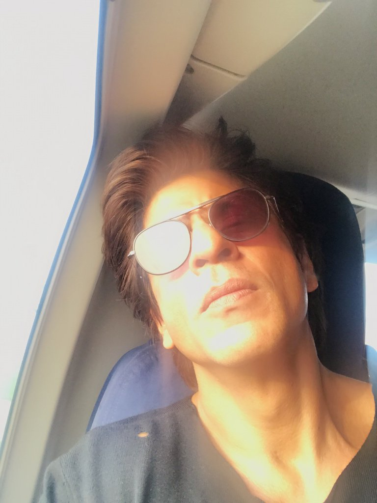 Happy viewing to all those who r watching #JHMS in parts of the world. Apna Dil saath leke jaana. My lov to u all. https://t.co/c3lPyeIhWo