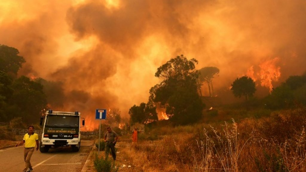 Italy heatwave and drought spark killer wildfires