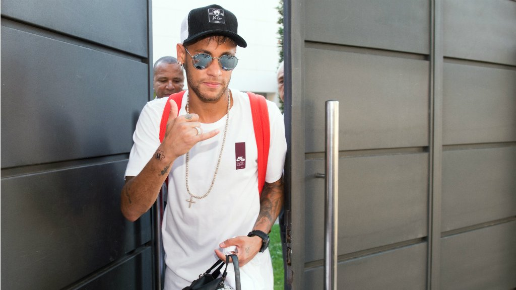 Live: Paris football club officially welcomes Brazilian star Neymar