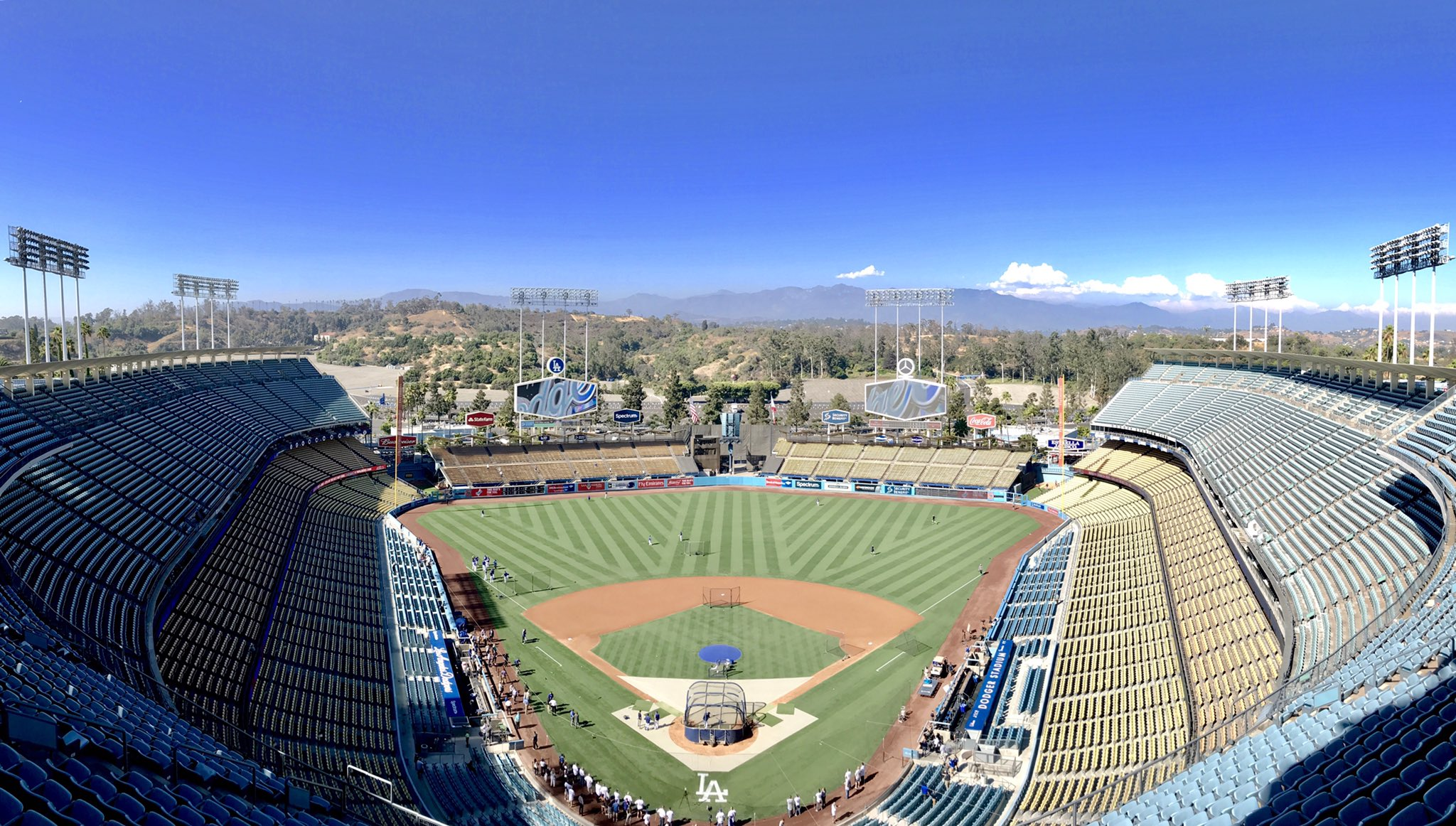 There's no place like home. �� #LetsGoDodgers https://t.co/XCVgoVgBTS
